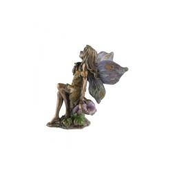 Elfė su gėlėmis