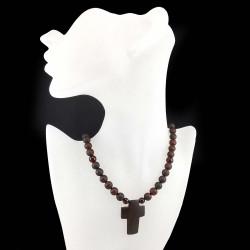 Konjako spalvos gintaro karolių ir gintarinio kryžiaus vėrinys