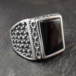 Sidabrinis žiedas su oniksu 22 mm