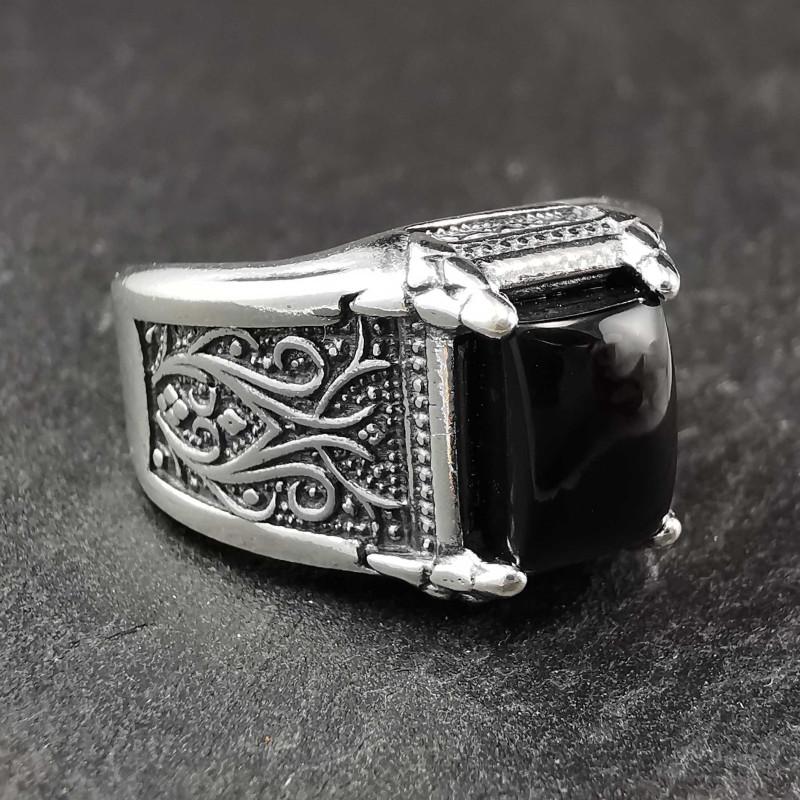 Sidabrinis žiedas su oniksu 19 mm