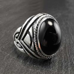 Sidabrinis žiedas su oniksu 21 mm